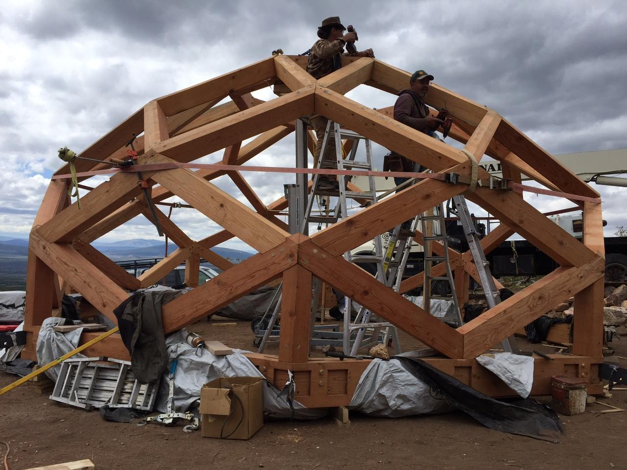 Preparing roof structure with slings for crane